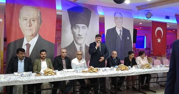 MHP Kartal Cevizli'de iftarda buluştu