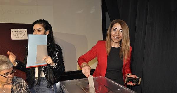 CHP'li Kadınlar Kartal'da Başkanını Seçti (FOTO GALERİ)