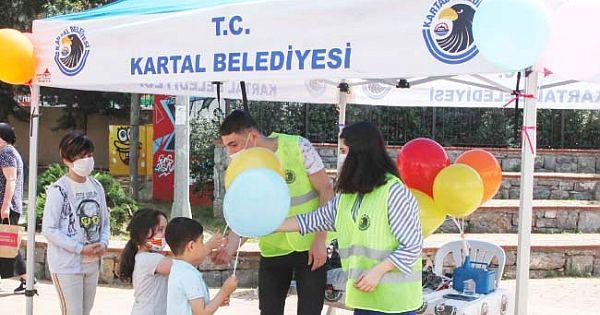 Miniklere, Kartal Belediyesi'nden Balonlu Sürpriz
