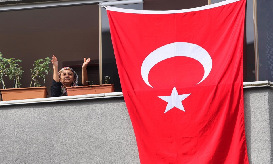2020/10/1603976117_cumhuriyet'in_97._yili_kartal'da_bueyuek_bir_coskuyla_kutlandi_(8).jpg
