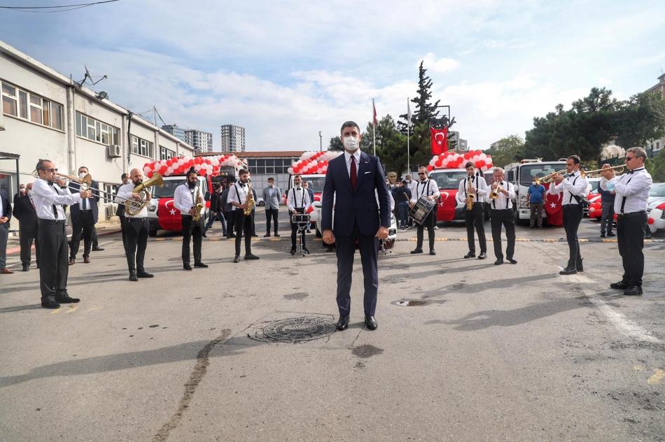 2020/10/1603976118_cumhuriyet'in_97._yili_kartal'da_bueyuek_bir_coskuyla_kutlandi_(11).jpg
