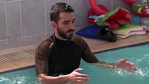 Felçli Furkan hidroterapiyle yürüdü