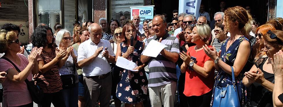 CHP Kartal Kadın Kolları 'Kadına şiddete hayır' dedi