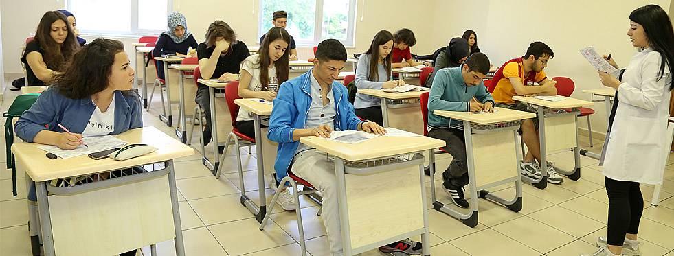 Ders ve etüt desteğiyle 220 aday üniversiteye yerleşti