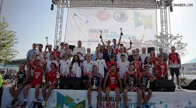 Kartal Belediyesi Triatlon Balkan Şampiyonası'na ev sahipliği yaptı