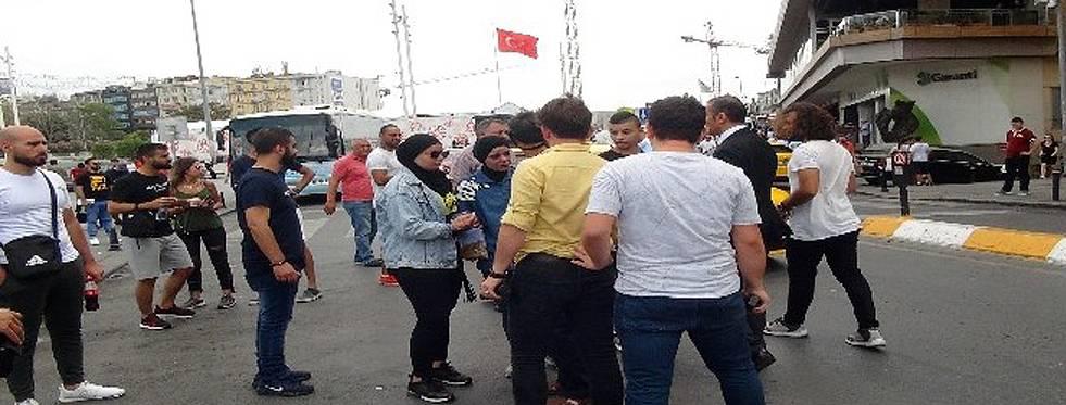 Taksiciyle kadın turist arasında arbede