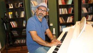 İranlı müzisyenin hayatı roman oldu