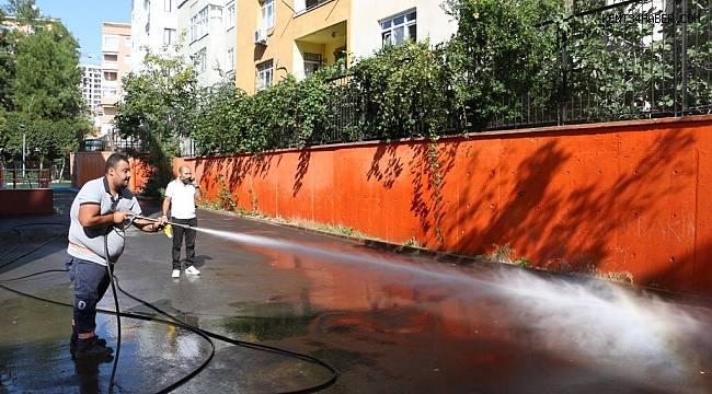 Kartal Belediyesi'nden okullara temizlik hizmeti