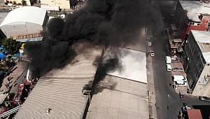 Plastik ham madde fabrikasında yangın