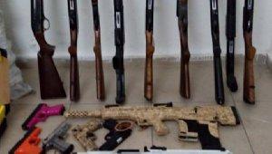 Beyşehir'de 156 adet kaçak silah ele geçirildi