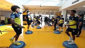 Fenerbahçe milli oyunculardan yoksun çalıştı