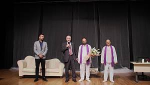 'Geyik Muhabbeti' adlı tiyatro oyunu, izleyiciyle buluştu