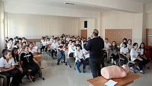 Kartal Belediyesi'nden çocuklara yönelik ilk yardım eğitimi
