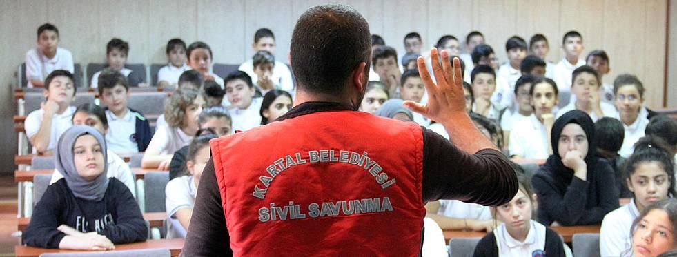 Öğrencilere deprem eğitimi