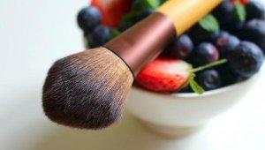 """""""Organik kozmetik ürünler cilde zararı en aza indiriyor"""""""