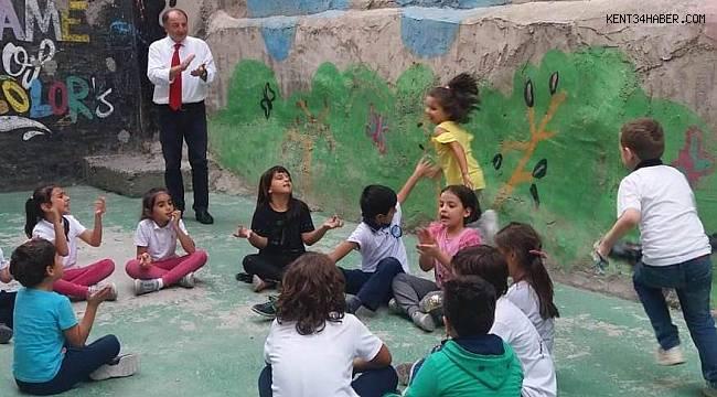 Ahmet Şimşek'te sokak oyunlarını unutmuyorlar