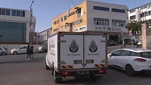 Bakırköy'de ölü bulunan 3 kişinin cesetleri Adli Tıp Kurumundan alındı