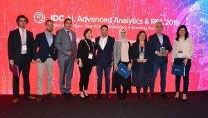 Sabiha Gökçen'in 'Biyometrik Otomatik Pasaport Geçiş Sistemi'ne ödül