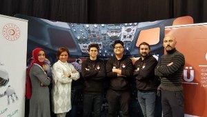 Anadolu lisesi öğrencileri robotik kodlama yarışmasında 4'üncü oldu