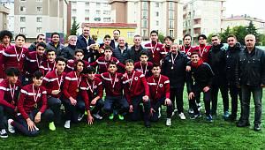 Genç Kartallara Şampiyonluk Kupası