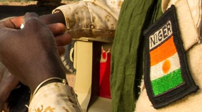 Nijer'de askeri üsse saldırı: 73 ölü
