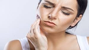 Tırnak yeme alışkanlığı diş etine zarar