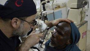 Tuzla'dan Afrika'ya 10 bin gözlük yardımı