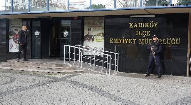 Kadıköy'de eşi ve annesini öldüren zanlı adliyeye sevk edildi