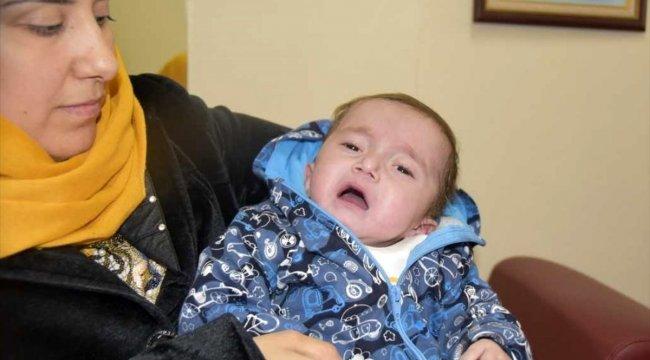 Kalpten akciğere giden damarları eksik olan bebek ameliyatla sağlığına kavuştu