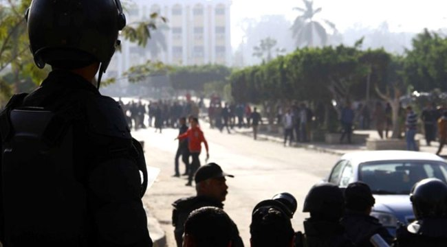 Mısır polisi Anadolu Ajansı'nın ofisini bastı: 1 'i Türk 4 çalışan gözaltına alınarak bilinmeyen bir yere götürüldü