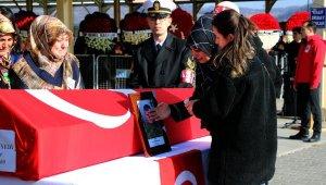 Şehit Sözleşmeli Er Miyanyedi son yolculuğuna uğurlandı