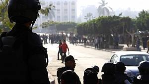 Son dakika: Mısır polisi Anadolu Ajansı'nın ofisini bastı: 1 'i Türk 4 çalışan gözaltına alınarak bilinmeyen bir yere götürüldü