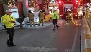 Taksim'de ticari taksi yandı