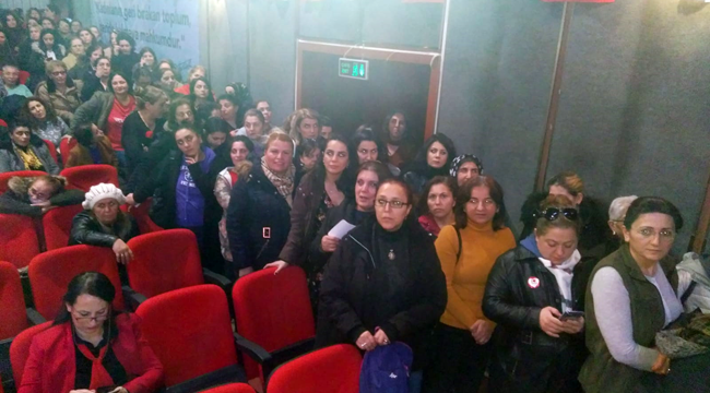 CHP'li kadınlar kuyruğa takıldı
