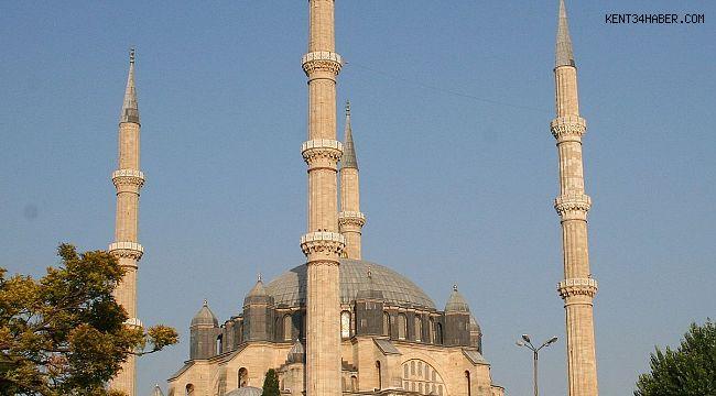 İstanbul'da Şehitler İçin Sela Verildi!