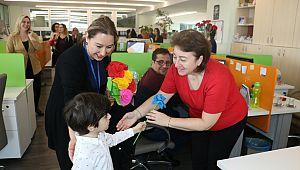 """Kadınlar, Kartal Belediyesi'nin """"8 Mart"""" etkinliklerinde buluştu"""