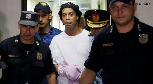 Ronaldinho'nun hapishaneden ilk görüntüsü ortaya çıktı