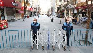 Bağcılar'ın en işlek caddeleri yayalara kapatıldı