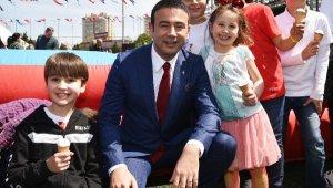 Başkan Akpolat, çocukları 'Online Geçit Töreni'ne davet etti