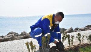 Silivri'de sokağa çıkamayanlar için hizmetler devam ediyor