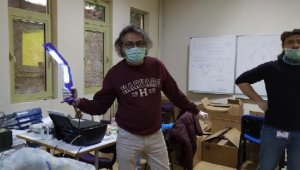 Türk bilim insanları koronavirüsü 15 saniyede öldüren cihaz tasarladı