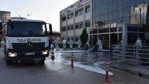 Tuzla Devlet Hastanesi'nde yıkama ve dezenfekte çalışmaları