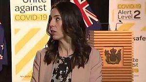 Başbakan canlı yayında yakalandı