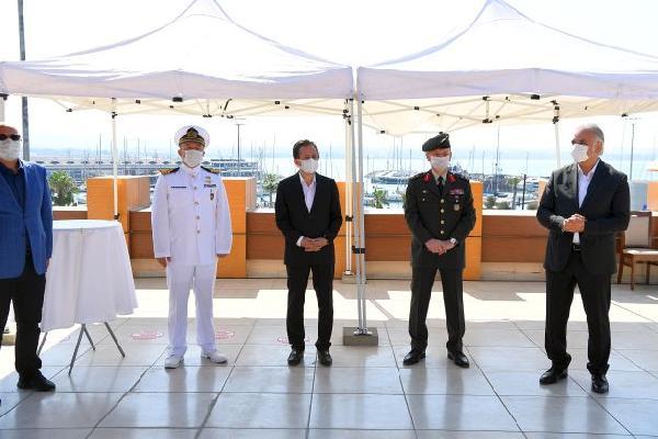 Tuzla'da Sosyal Mesafeli Bayramlaşma Töreni
