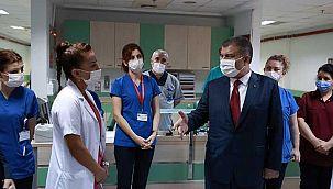Bakan Koca hematoloji bölümünü ziyaret etti