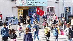 Başkan Yüksel, Yüz Yüze Eğitimin İlk Gününde Öğrencileri Yalnız Bırakmadı