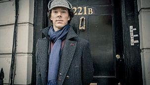 Sherlock Holmes Şaşırtmaya Hazırlanıyor!