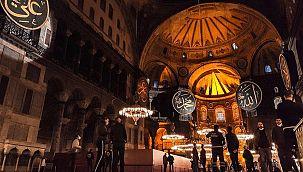 Ayasofya Camii'nde bulunan iskele kaldırıldı