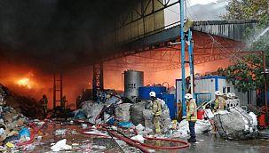 İstanbul Kartal'da büyük çaplı yangın