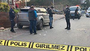 Kadıköy'de şarkıcıya kurşun yağdırdılar